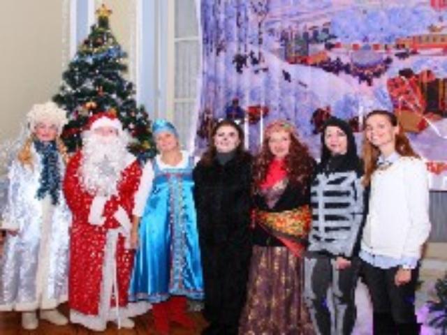 """Новогоднее представление """"5 ключей от сундука"""" в Александрии"""
